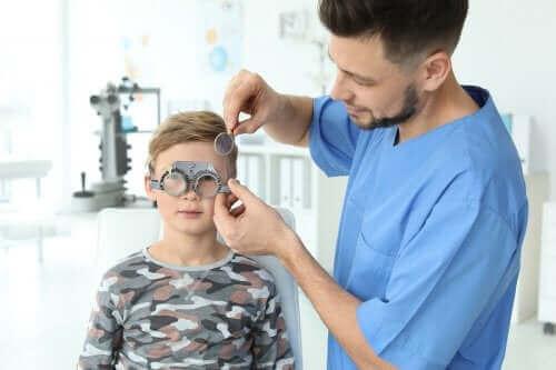 Πώς να εντοπίσετε προβλήματα όρασης στα παιδιά