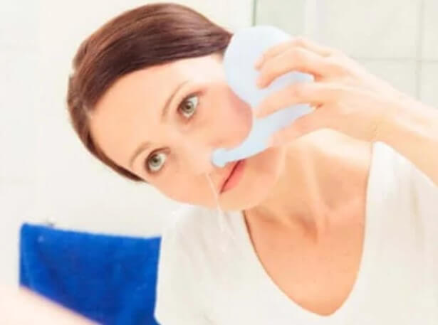 πλύση σε μύτη γυναίκας