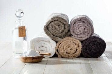 Διάλυμα με μαγειρική σόδα για πιο φρέσκες πετσέτες