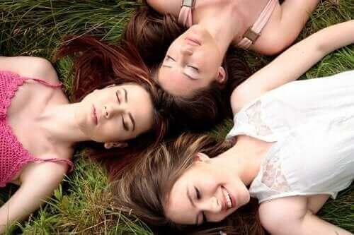 Είναι αλήθεια ότι οι περίοδοι των γυναικών συγχρονίζονται;
