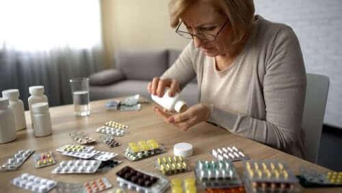 Αυτοθεραπεία και οι κίνδυνοι για την υγεία