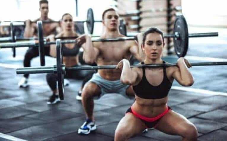 CrossFit: Τα οφέλη και οι κίνδυνοι που πρέπει να ξέρετε