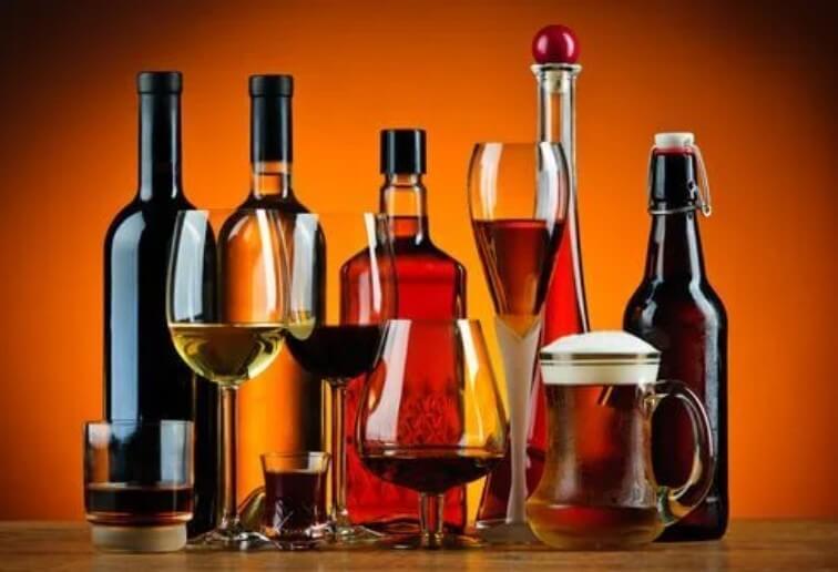 διάφορα αλκοολούχα ποτά