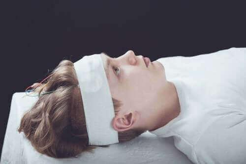 Διάσειση: Συμπτώματα, διάγνωση, και θεραπεία