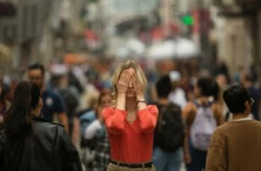 Ποια είναι τα συμπτώματα της αγοραφοβίας;