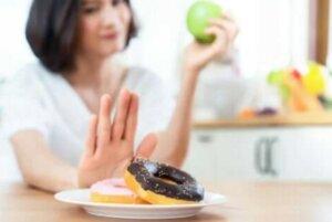 Πώς να ενσωματώσετε υγιεινά επιδόρπια στη διατροφή σας