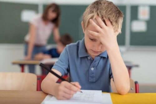 Παιδί με ημικρανία στο σχολείο