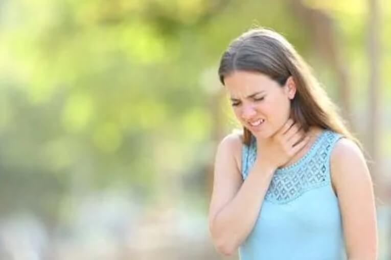 Υπερβολική βλέννα στο λαιμό: Πώς να την αντιμετωπίσετε