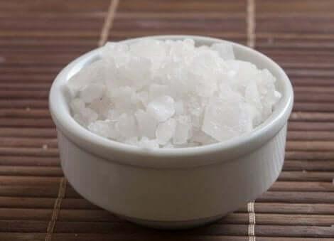 Ένα μπολ με αλάτι