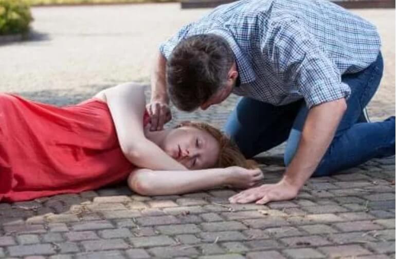 Απώλεια συνείδησης (Λιποθυμία): Πότε συμβαίνει και γιατί;