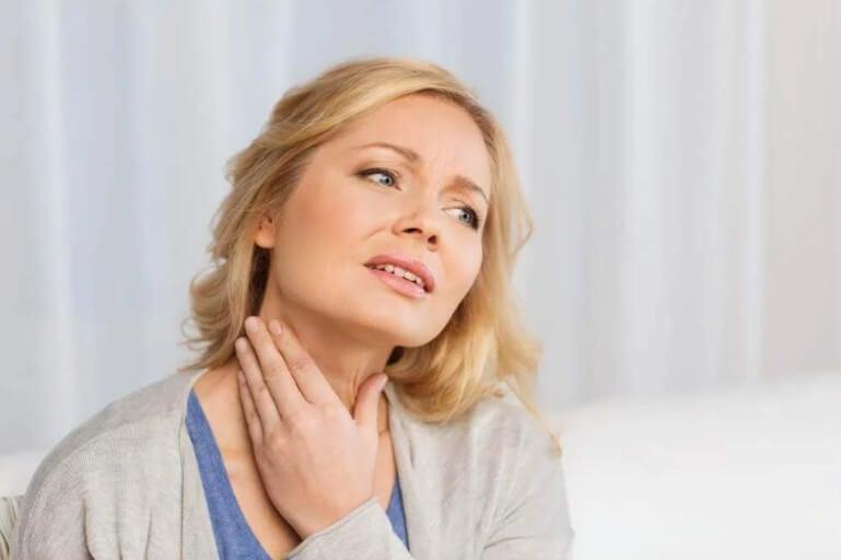 πόνος στο λαιμό