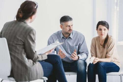 Συμβουλές για να ζείτε με ένα διπολικό άτομο