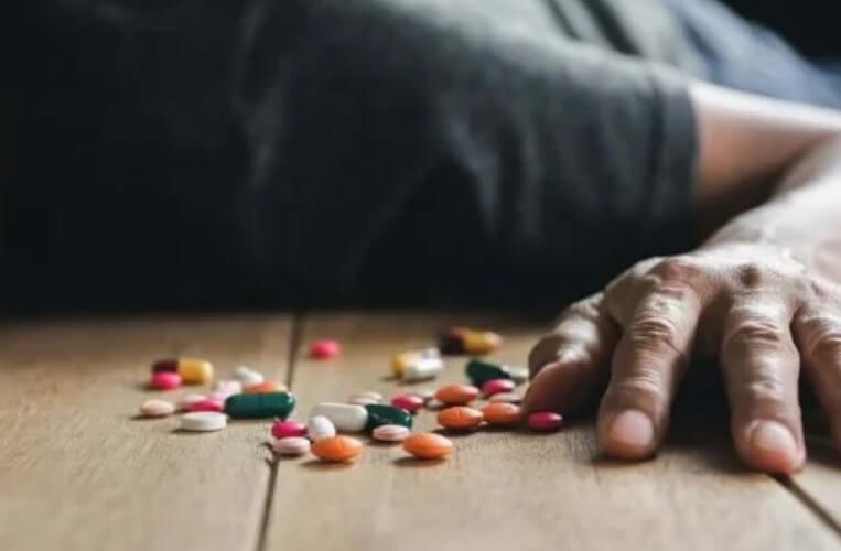 θάνατος από χάπια