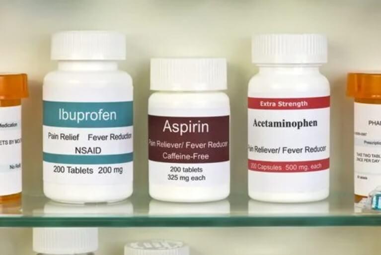 χάπια σε φαρμακείο