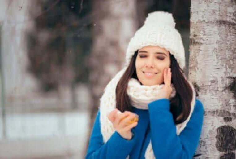 Τι να κάνετε το χειμώνα αν έχετε λιπαρό δέρμα