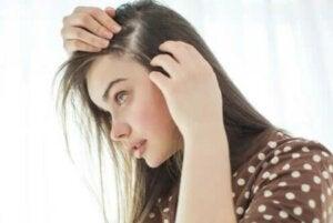 Γκριζάρισμα των μαλλιών: Γιατί τα μαλλιά αλλάζουν χρώμα;
