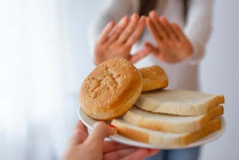 Γυναίκα λέει όχι στο ψωμί- Κοιλιοκάκη