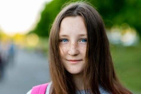 Κορίτσι με μπλε μάτια