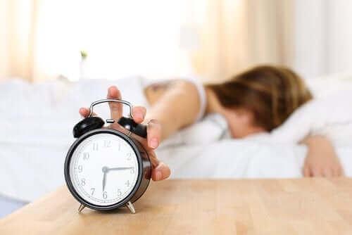 Οι λόγοι για τους οποίους ξυπνάτε κουρασμένοι