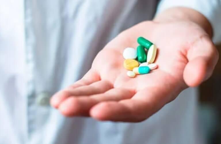 φάρμακα σε χούφτα