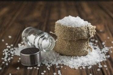 6 αλήθειες για την υπερβολική κατανάλωση αλατιού
