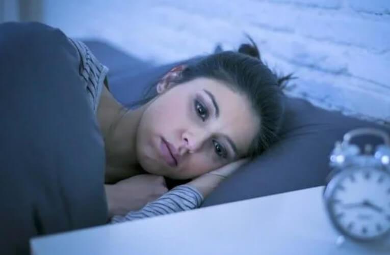 γυναίκα που δεν κοιμάται