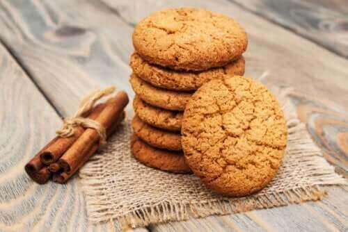 Ανακαλύψτε μια εύκολη συνταγή για μπισκότα κανέλας