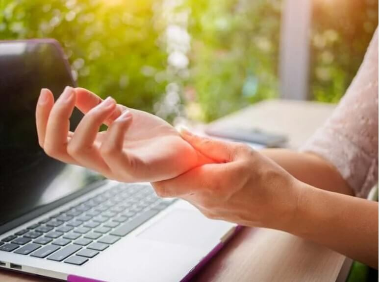 Πώς να αποτρέψετε την αρθρίτιδα στα χέρια σας: 5 συμβουλές