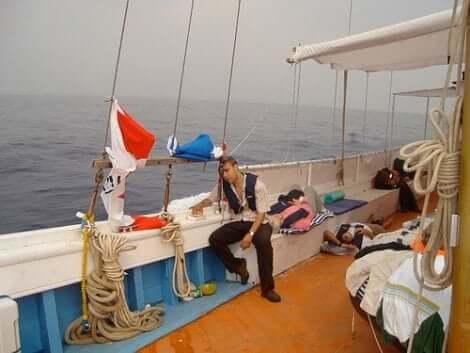 Άτομα με ναυτία σε καράβι