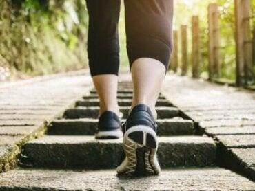 Είναι υγιεινό το περπάτημα μετά το φαγητό;