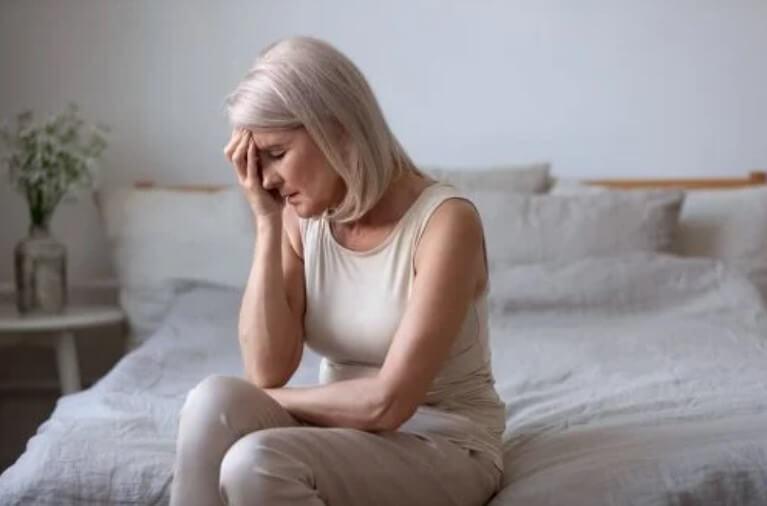 γυναίκα με εμμηνόπαυση