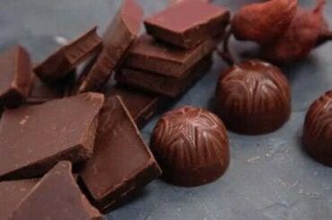 Ποια είναι η πιο υγιεινή σοκολάτα που μπορείτε να φάτε;
