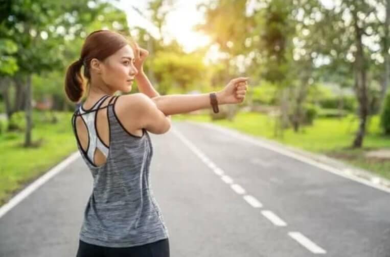 αθλήτρια πριν το τρέξιμο