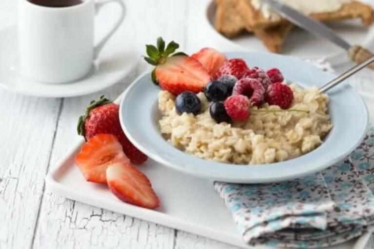 πρωινό με φράουλες
