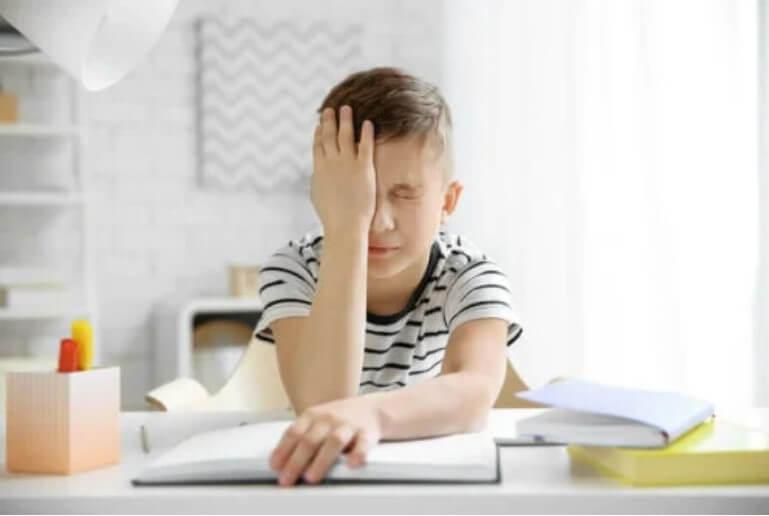 πονοκέφαλος σε αγόρι