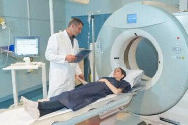Ακτινοθεραπεία: Χαρακτηριστικά και χρήσεις