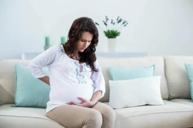 έγκυος κάθεται