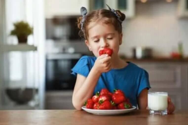 Τύποι φρούτων που πρέπει να τρώτε το καλοκαίρι