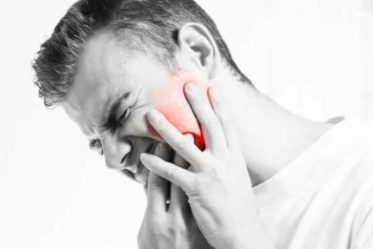 πόνος στη γνάθο
