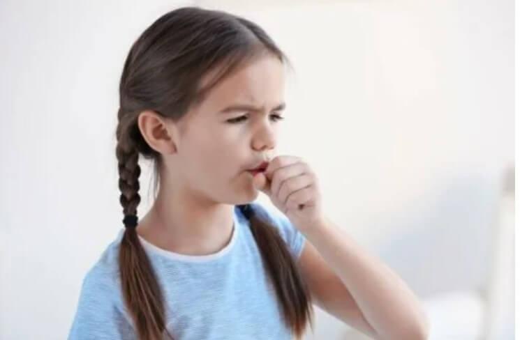 παιδί βήχει