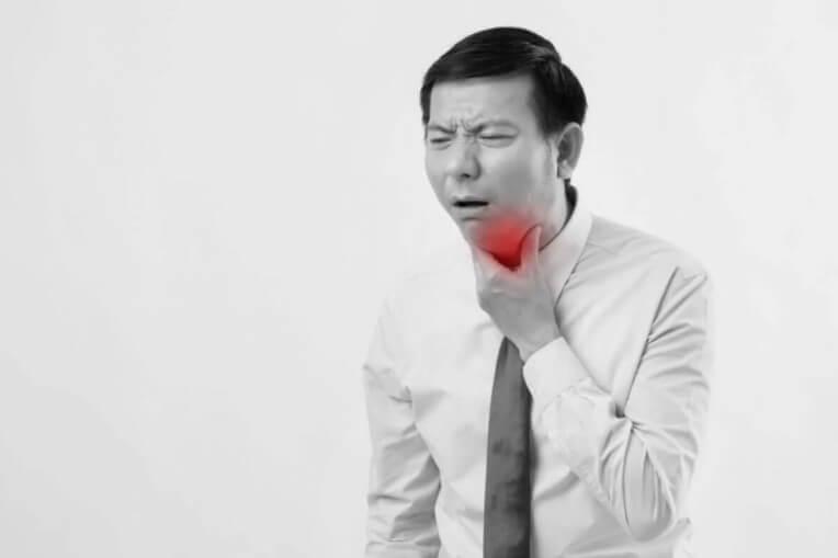 πόνο στο λαιμό