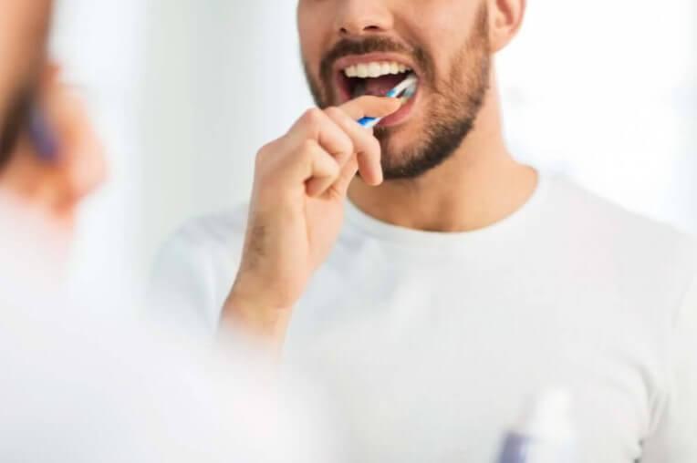 βούρτσιστμα δοντιών
