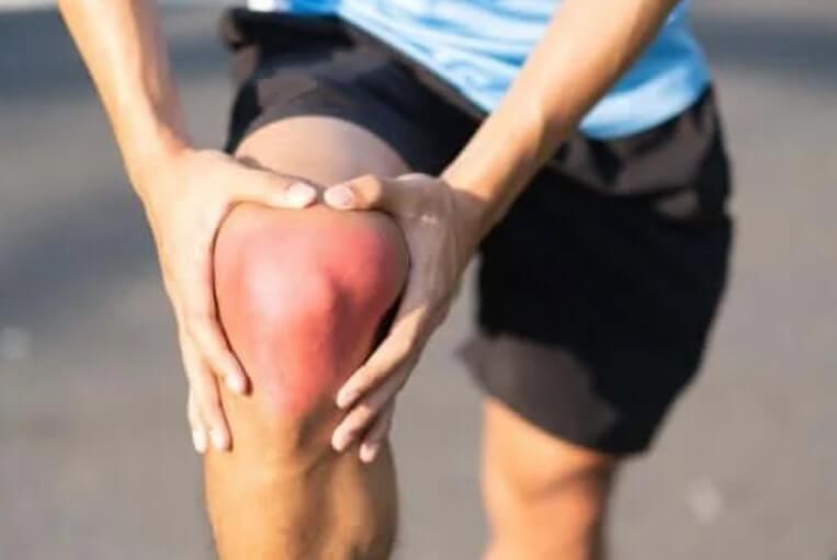 Διάστρεμμα στο γόνατο: Αιτίες, συμπτώματα και συστάσεις