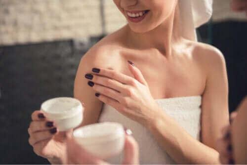 Ρεσβερατρόλη: 10 πιθανές επιδράσεις της στο δέρμα