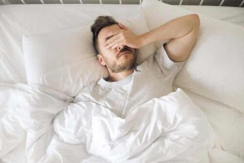 Άνδρας δε μπορεί να κοιμηθεί