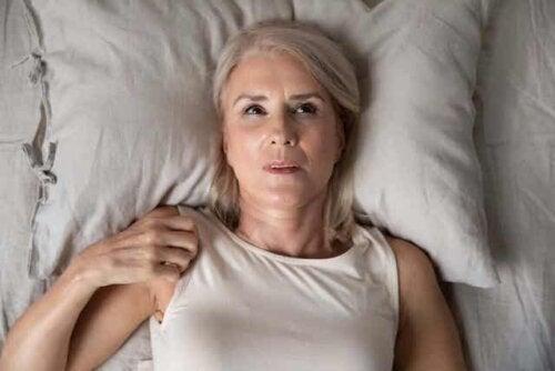 Γυναίκα με αϋπνία