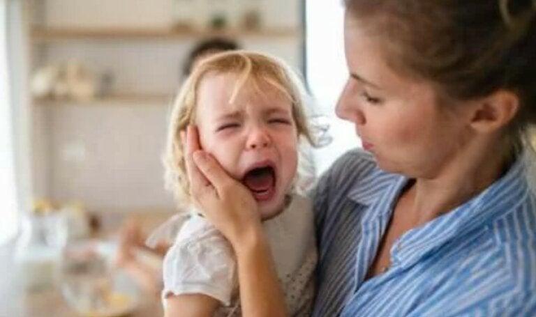 Ξεσπάσματα στα παιδιά: 4 συμβουλές για να τα διαχειριστείτε