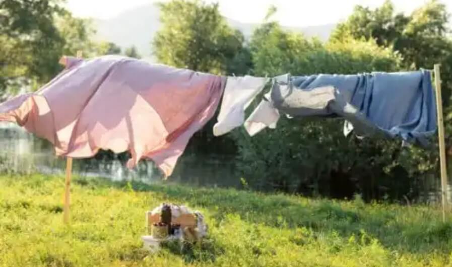 άπλωμα ρούχων