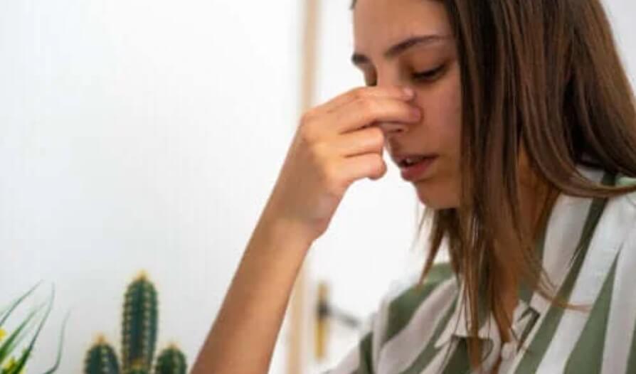 Ρινική διάτρηση: Αιτίες, συμπτώματα και θεραπεία