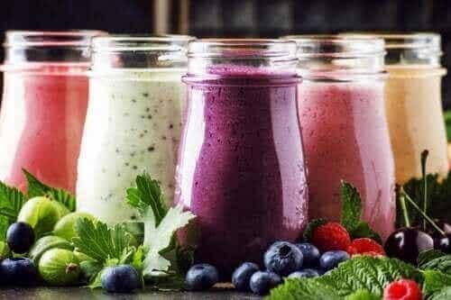 Σμούθι με φρούτα και γιαούρτι: Γιατί να τα φτιάξετε;